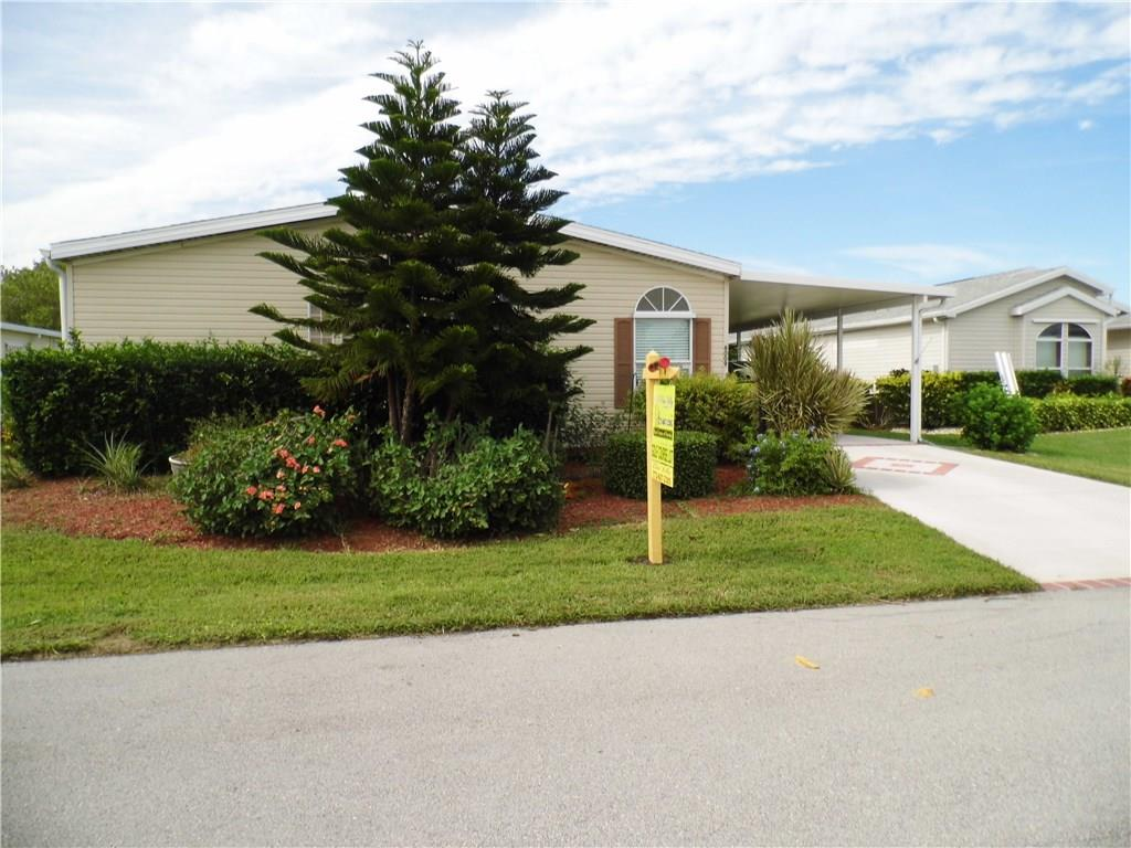 8009 Meadowlark Lane, Port Saint Lucie, FL 34952