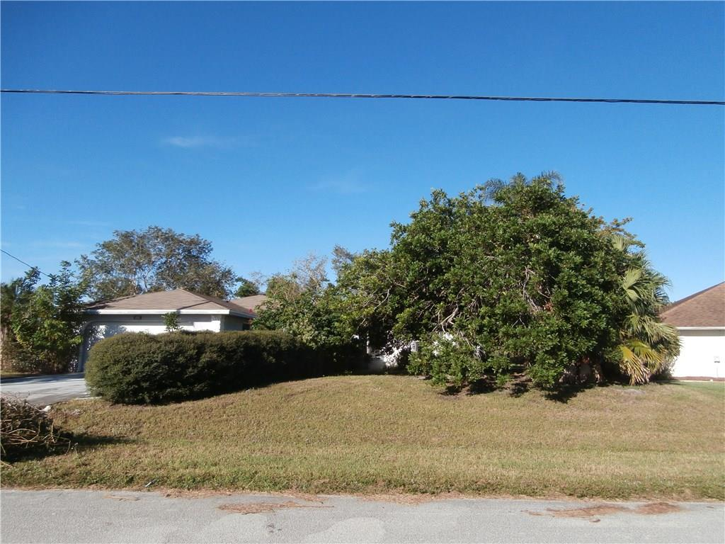 205 Se Verada Avenue, Port Saint Lucie, FL 34983