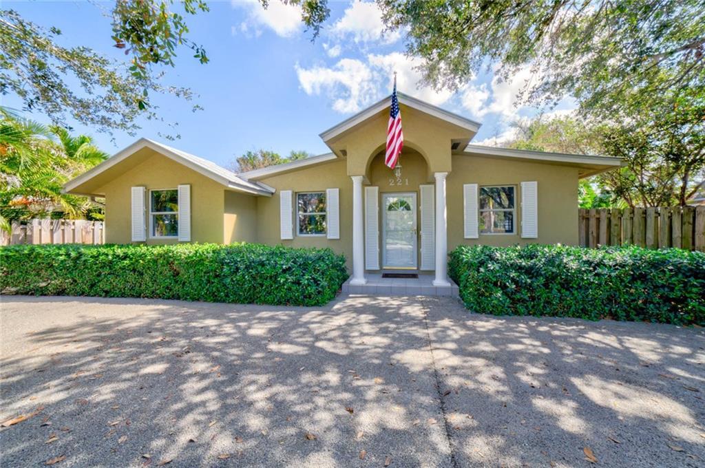 221 Se Hibiscus Avenue, Stuart, FL 34996