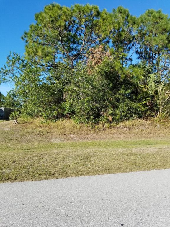 5935 Nw Wolverine Road, Port Saint Lucie, FL 34986