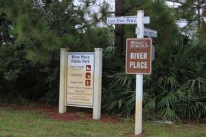 690 Ne Waters Edge Lane, Port Saint Lucie, FL 34983