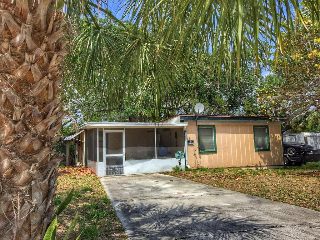 220 Olson Avenue, Fort Pierce, FL 34946