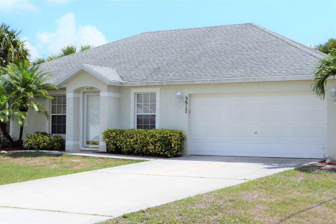 3917 Sw Helmlinger Street, Port Saint Lucie, FL 34953
