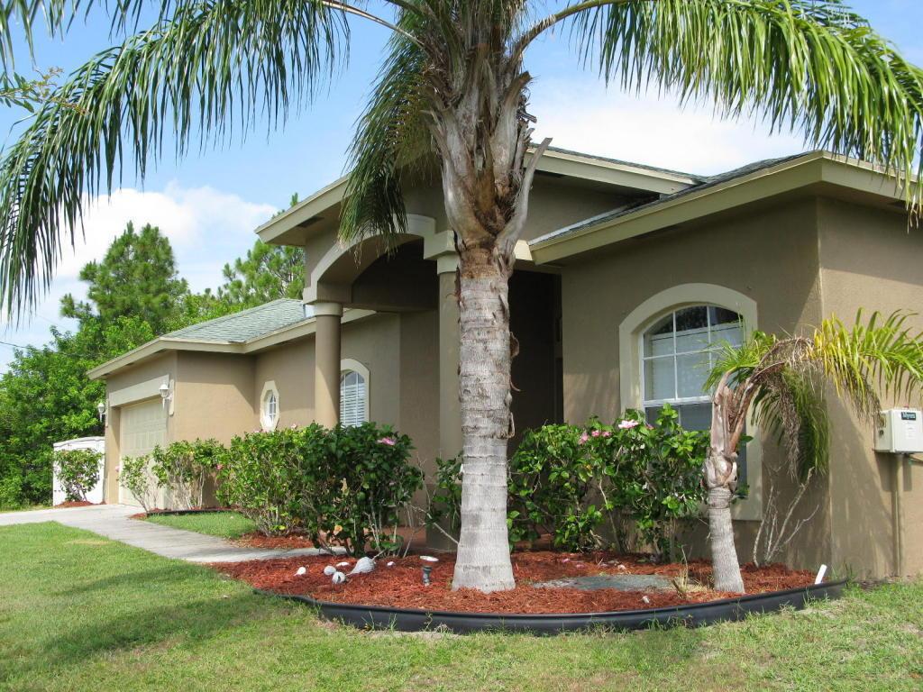 2401 Sw Lamb Avenue, Port Saint Lucie, FL 34953