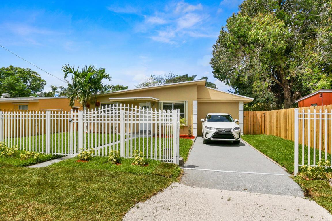 1305 Chateau Park Drive, Fort Lauderdale, FL 33311