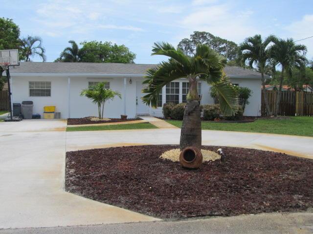 846 Rutherford Lane, West Palm Beach, FL 33415