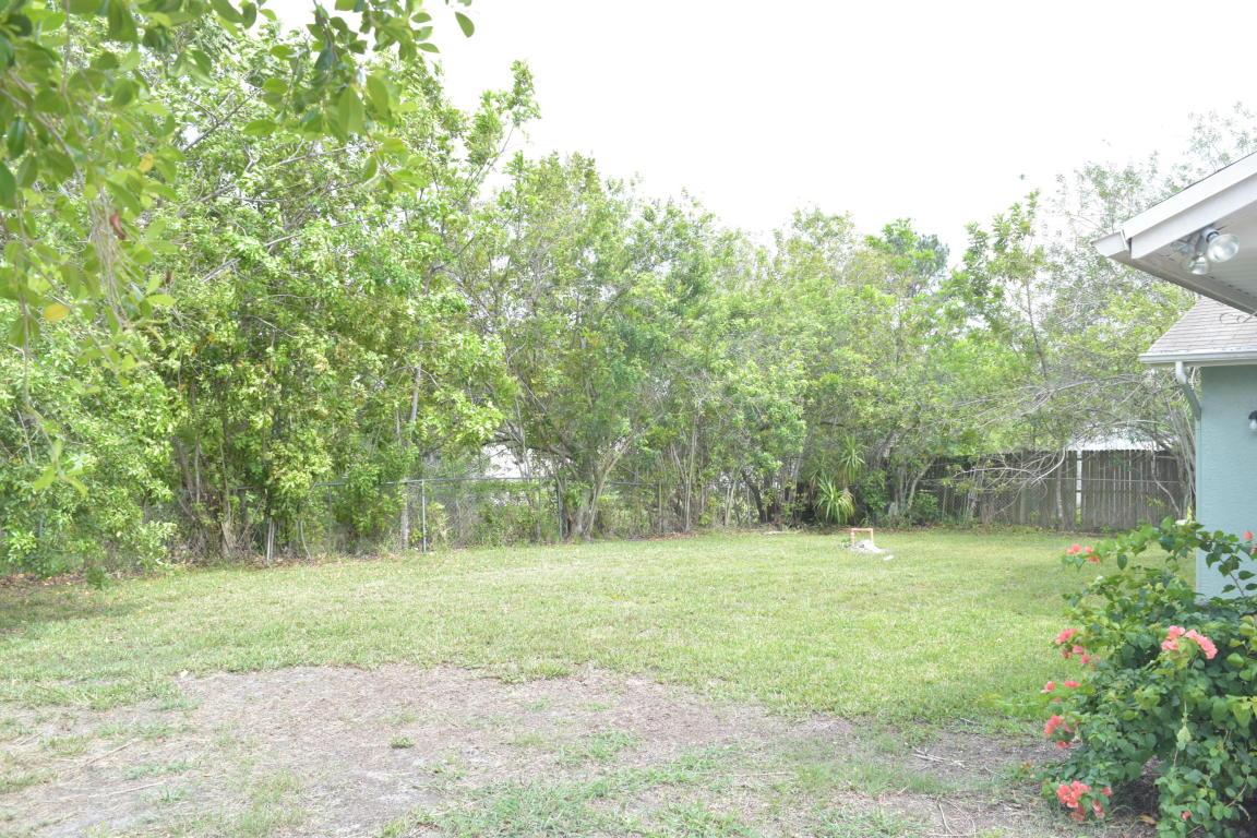 1437 Sw Hutchins Street, Port Saint Lucie, FL 34983