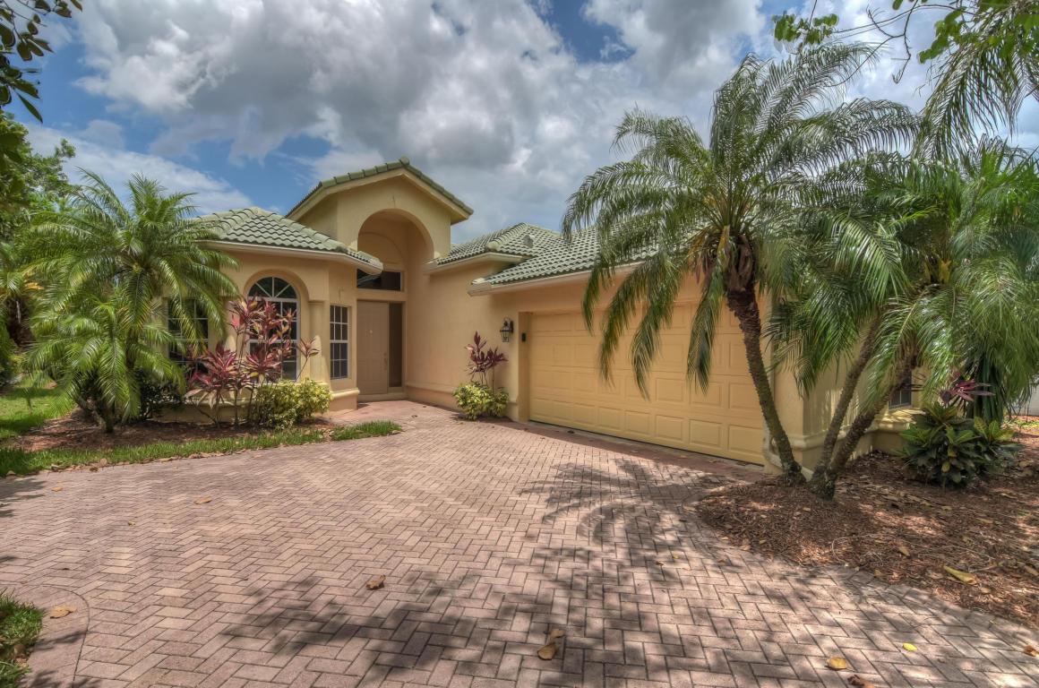 8262 Riviera Way, Saint Lucie West, FL 34986