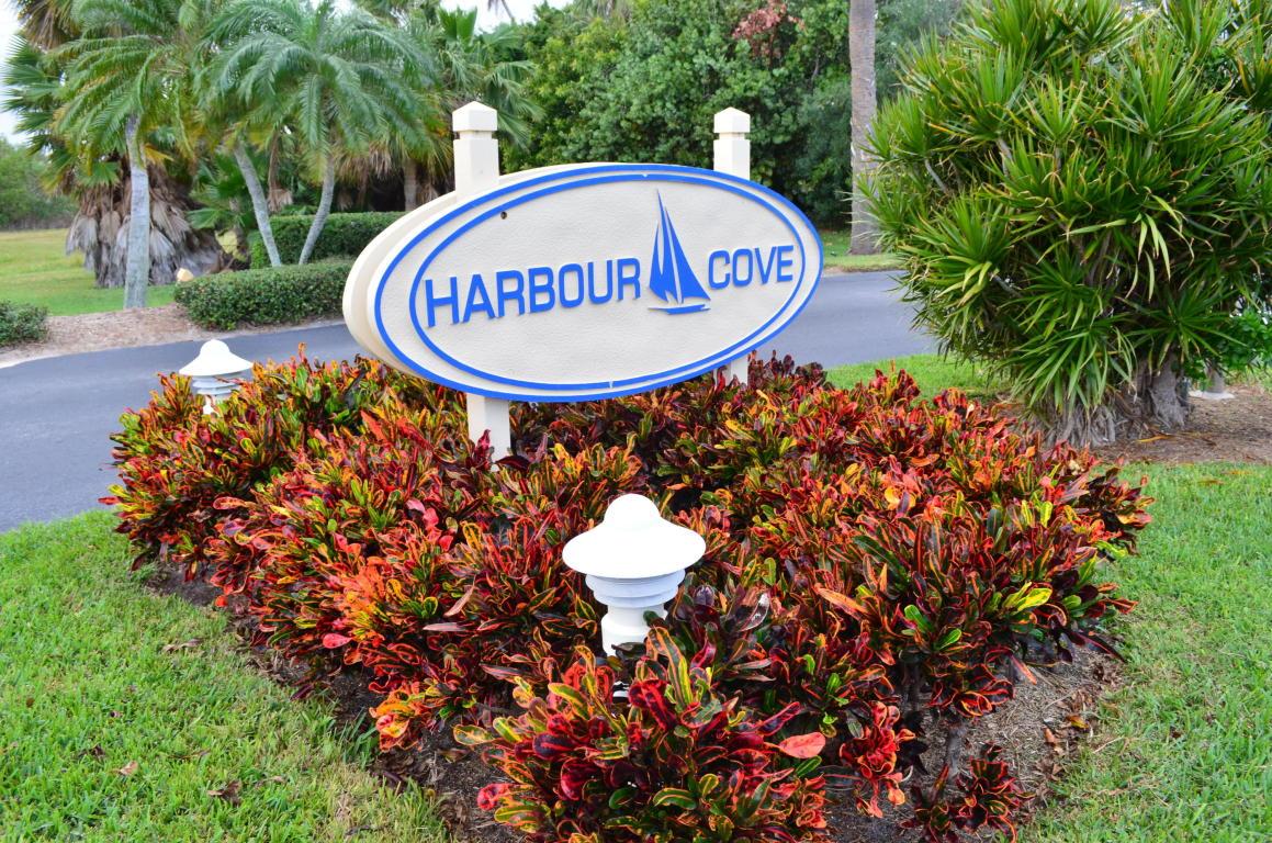 2530 Harbour Cove Drive, Fort Pierce, FL 34949