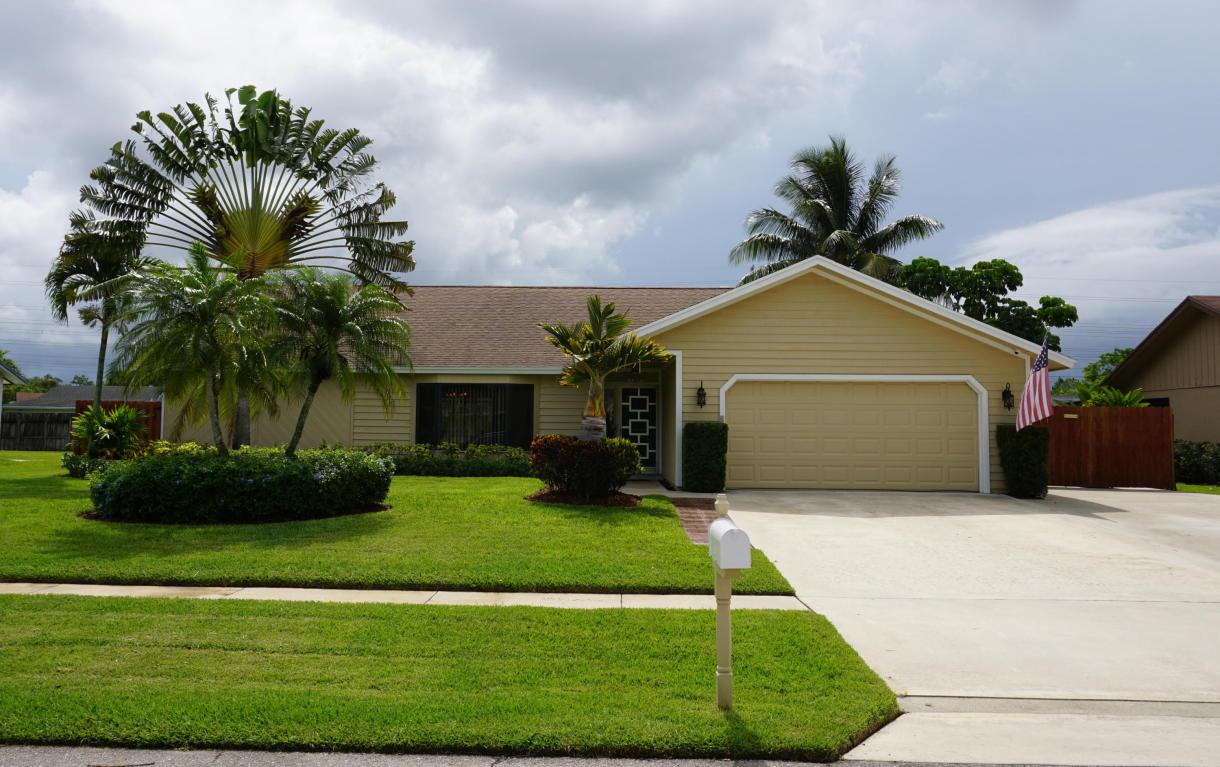 114 Malaga Street, Royal Palm Beach, FL 33411