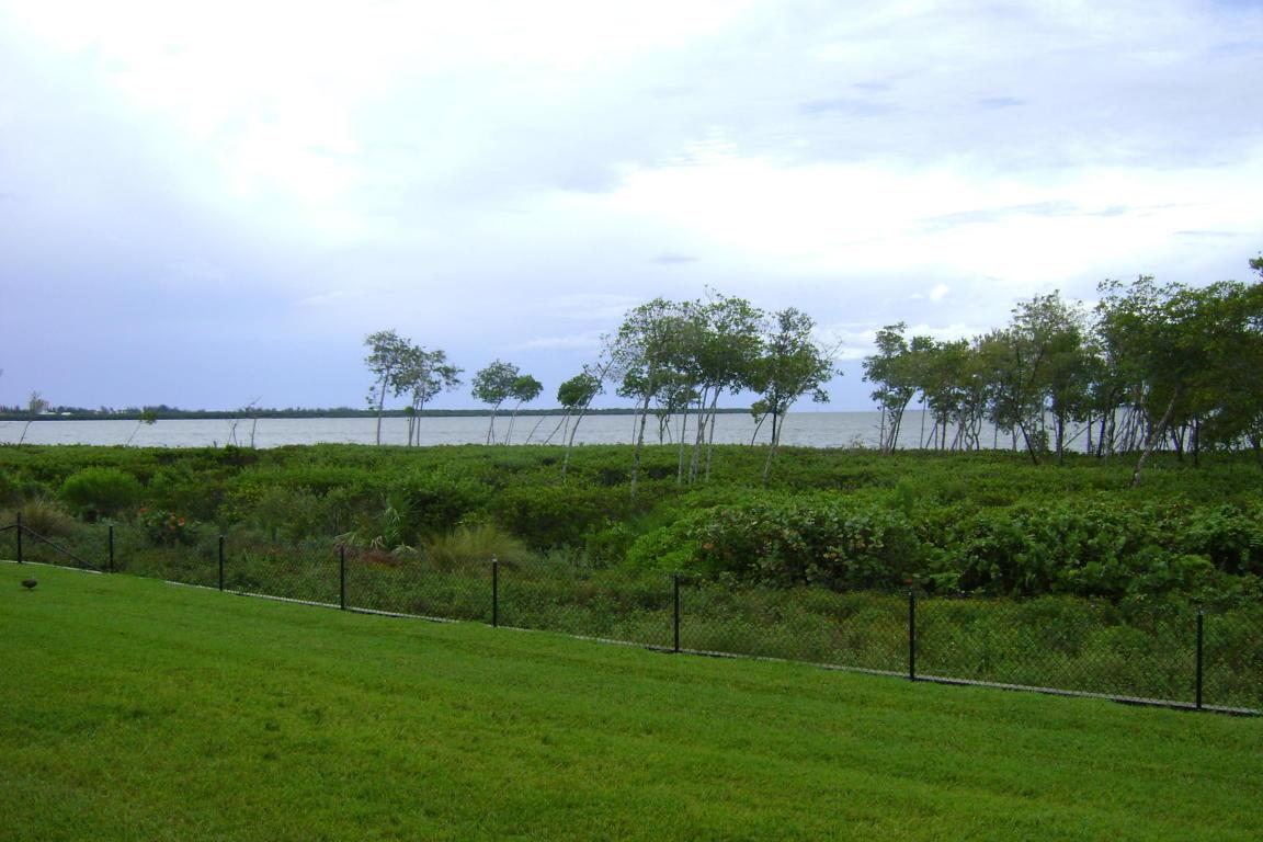 27 Harbour Isle Drive W, Fort Pierce, FL 34949