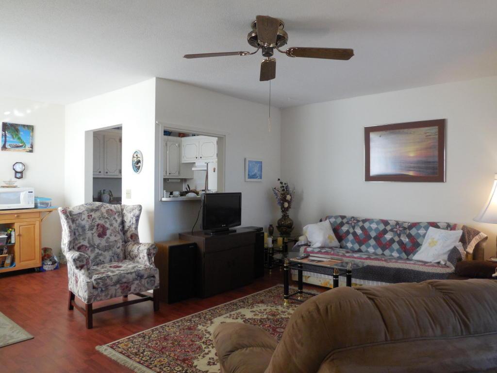 165 Easthampton G, West Palm Beach, FL 33417
