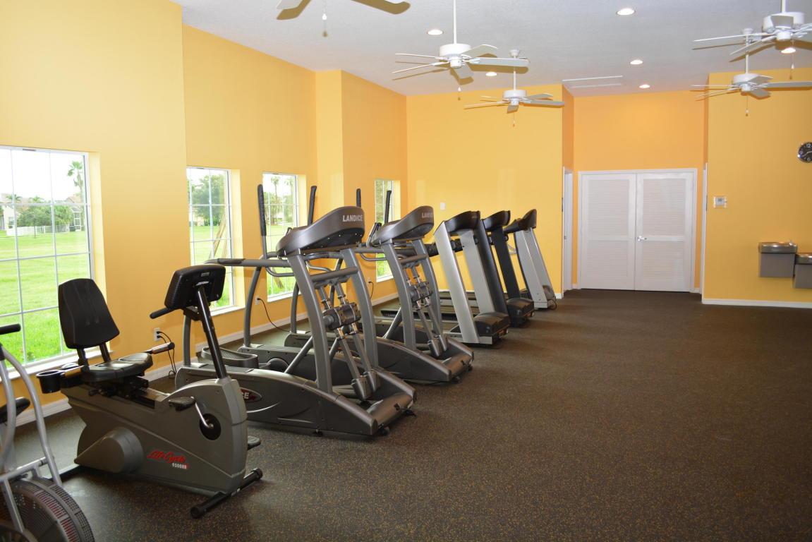 403 Nw Canterbury Court, Port Saint Lucie, FL 34983