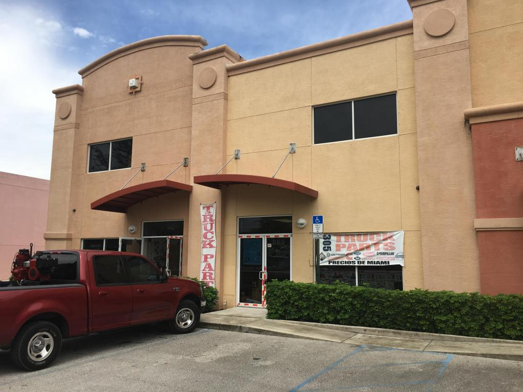 869 S Kings Highway, Fort Pierce, FL 34945