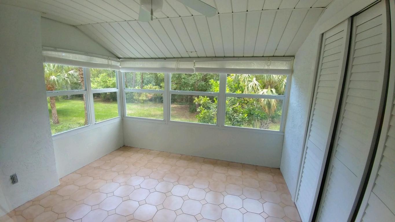1207 S Lakes End Drive, Fort Pierce, FL 34982