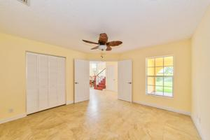 105 Westwood Circle E, West Palm Beach, FL 33411