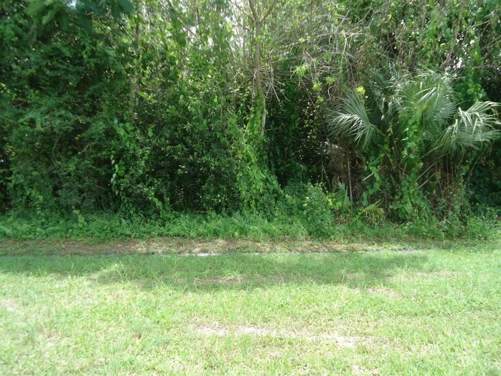 1926 Sw Beekman, Port Saint Lucie, FL 34953