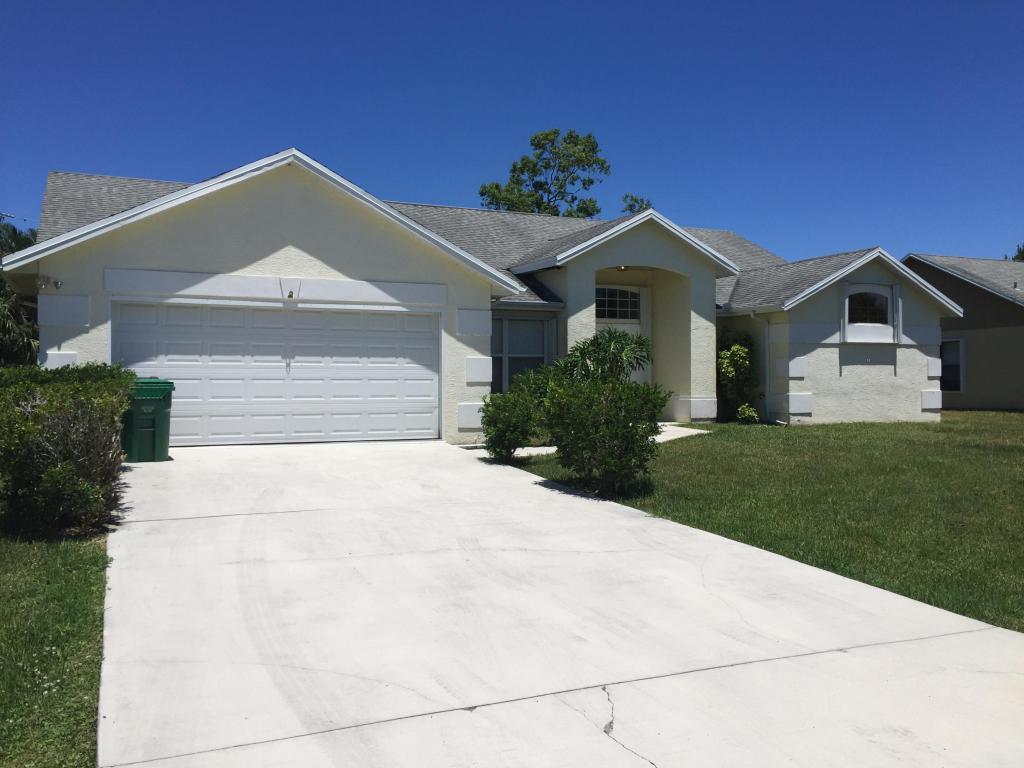 2065 Se Mary Terrace W, Port Saint Lucie, FL 34952