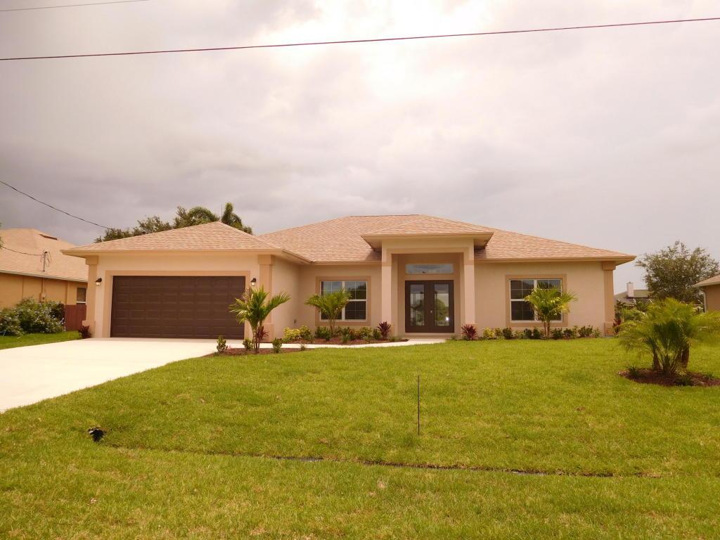 1767 Sw Castinet Lane, Port Saint Lucie, FL 34953