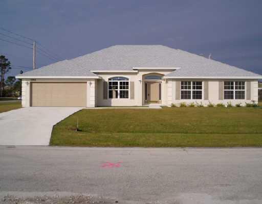 1792 Sw Garnet Street, Port Saint Lucie, FL 34953