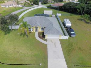 2061 Se North Blackwell Drive, Port Saint Lucie, FL 34952
