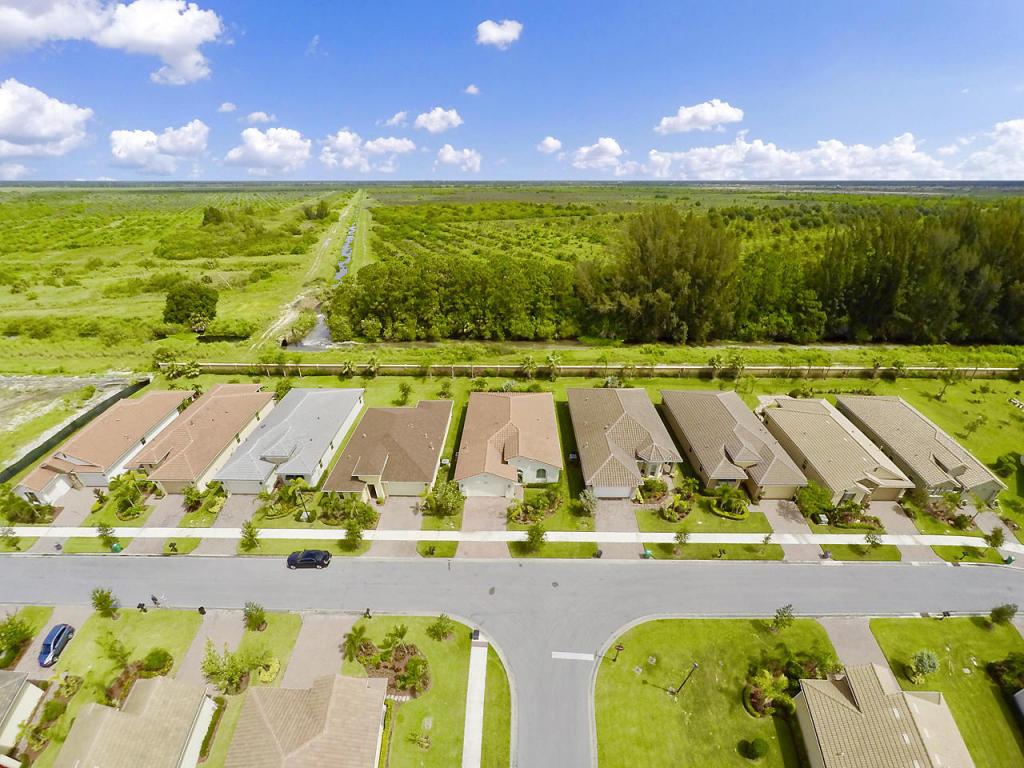 9620 Sw Royal Poinciana Drive, Port Saint Lucie, FL 34987