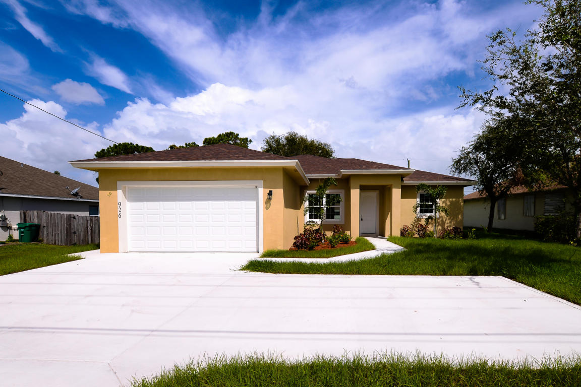 926 Nw Bayshore Boulevard, Port Saint Lucie, FL 34983