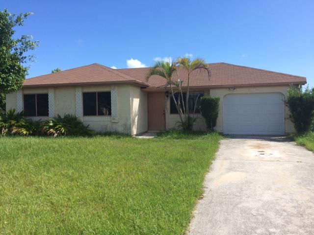 2074 Se West Dunbrooke Circle, Port Saint Lucie, FL 34952