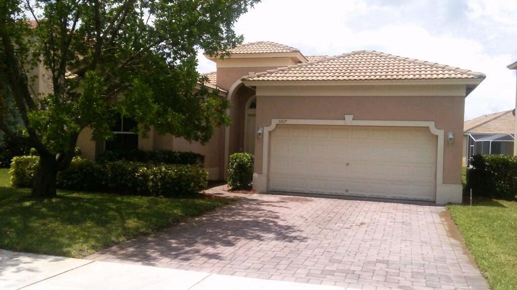 5717 Sterling Lake Drive, Fort Pierce, FL 34951