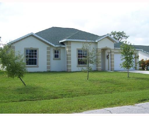 2256 Se Haddon Street, Port Saint Lucie, FL 34984