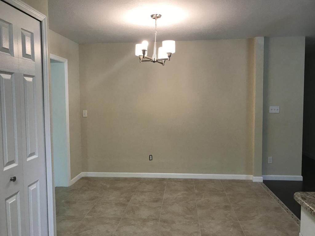2604 S 19th S Street, Fort Pierce, FL 34982