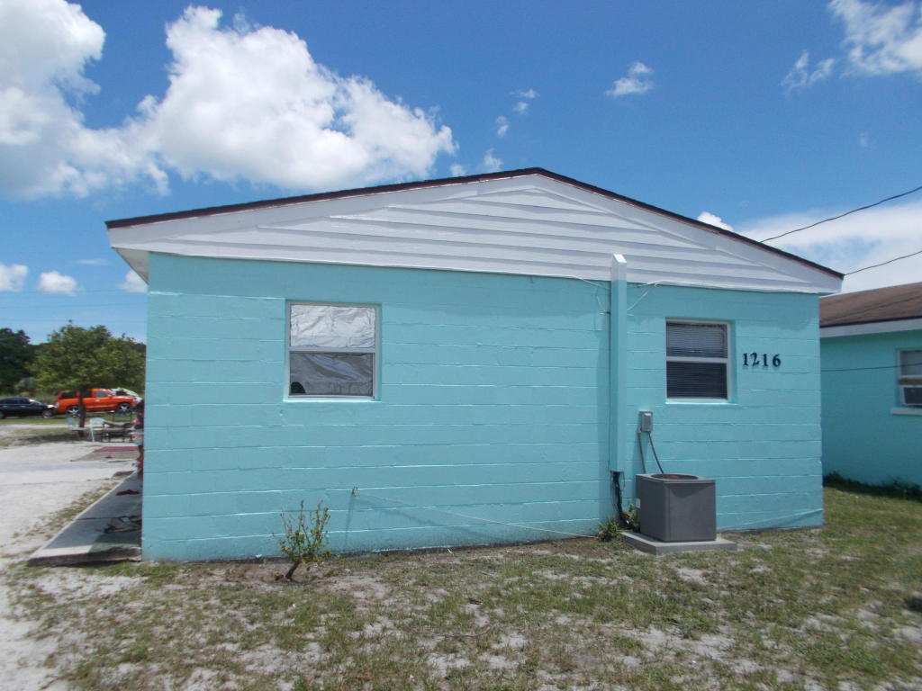 1216 N 17th Street, Fort Pierce, FL 34950