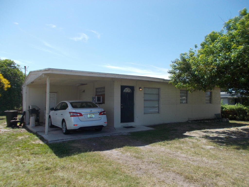 1811 N 16th Street, Fort Pierce, FL 34950