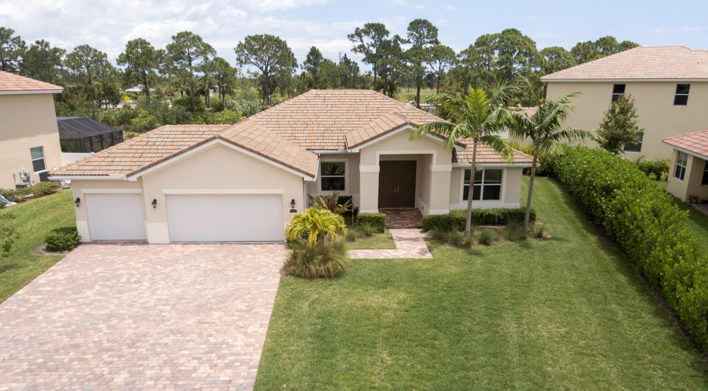 235 Ne Abaca Way, Jensen Beach, FL 34957