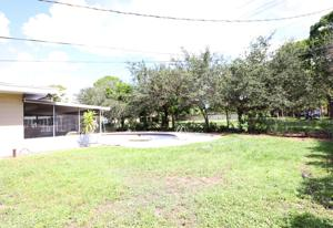 2404 Royal Palm Drive, Fort Pierce, FL 34982