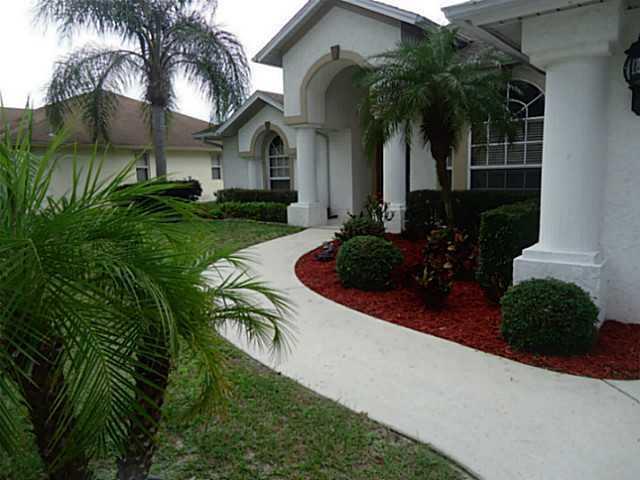 214 Sw Holden Terrace, Port Saint Lucie, FL 34984