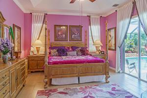 589 Se Calmoso Drive, Port Saint Lucie, FL 34983