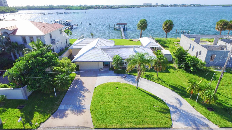 1639 Thumb Point Drive, Fort Pierce, FL 34949
