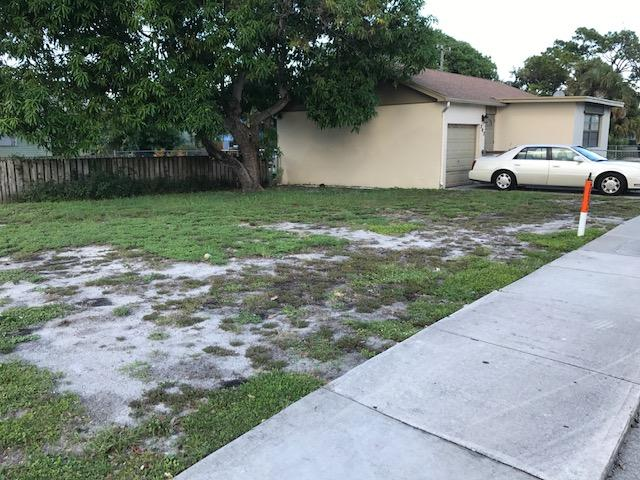 202 N G Street, Lake Worth, FL 33460