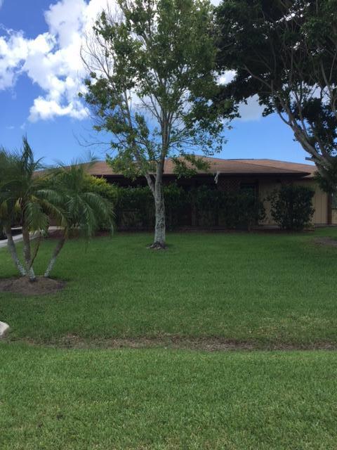 300 Rosewood Drive, Fort Pierce, FL 34950