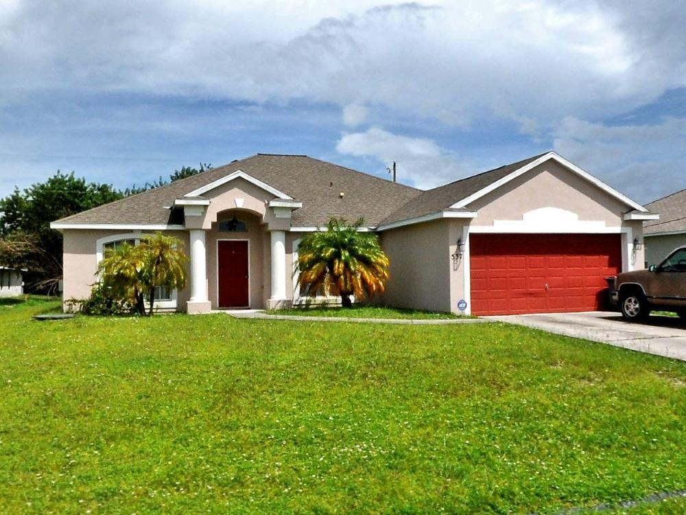 537 Sw Laconic Avenue, Port Saint Lucie, FL 34953
