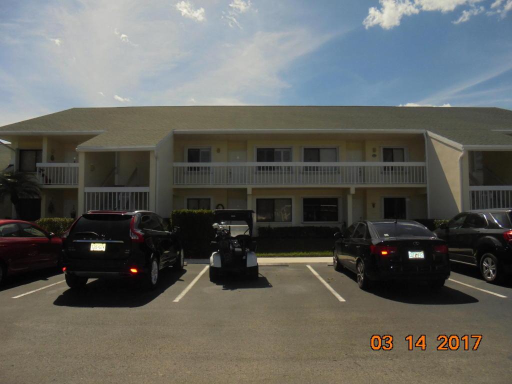 4215 Gator Trace Unit H Avenue, Fort Pierce, FL 34982