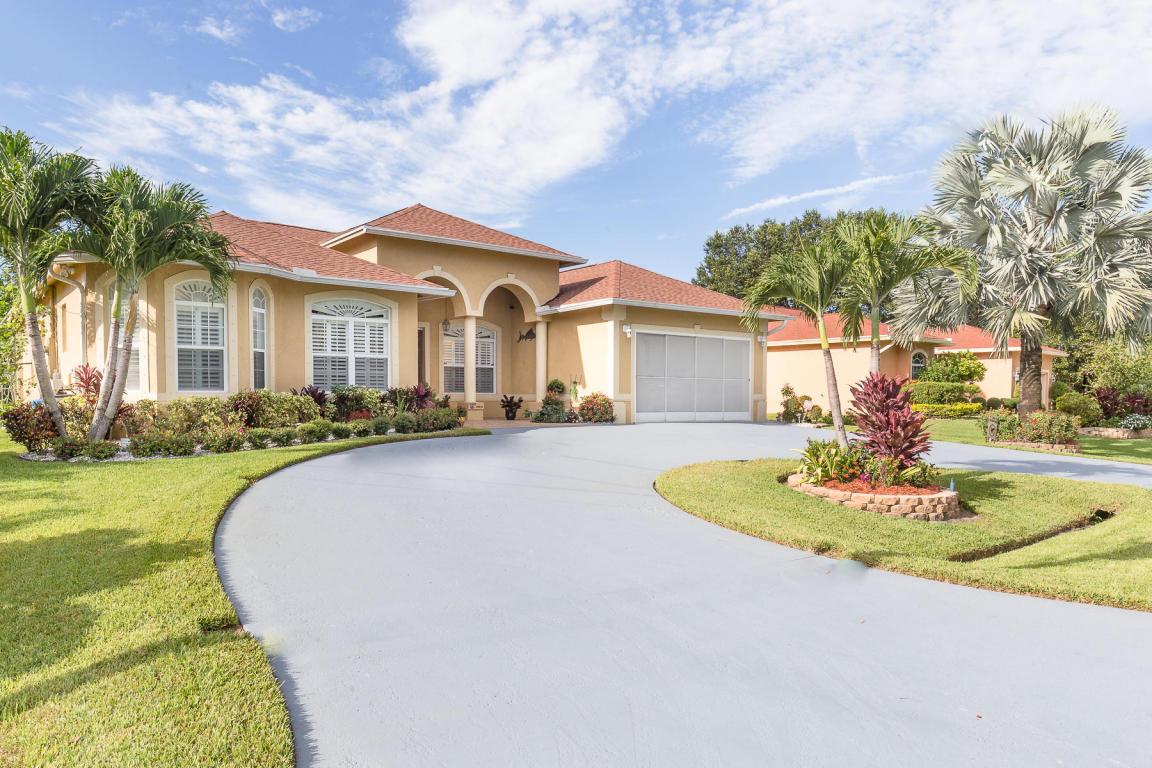 282 Sw Amesbury Avenue, Port Saint Lucie, FL 34953