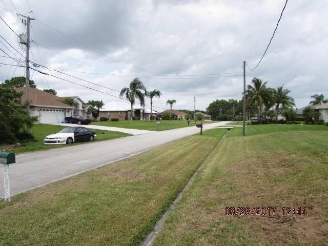 3445 Sw Catskill Drive, Port Saint Lucie, FL 34953