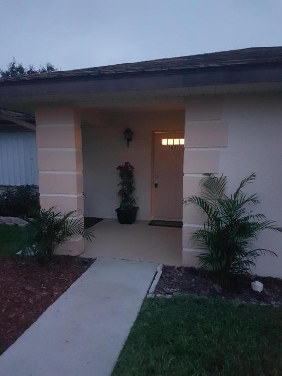 5827 Summerfield Court, Fort Pierce, FL 34982
