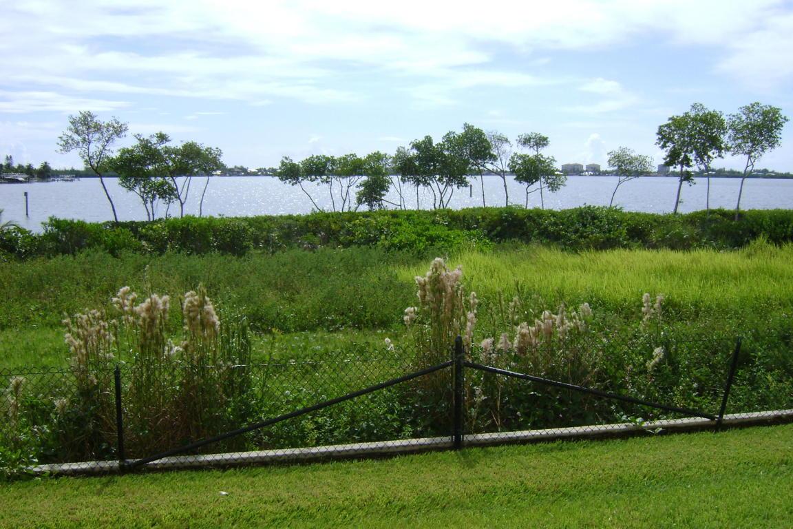 21 Harbour Isle Drive W, Fort Pierce, FL 34949