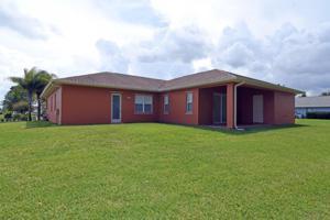 121 Sw Landis Lane, Port Saint Lucie, FL 34953