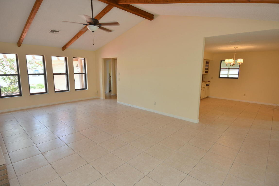 602 Se Thanksgiving Avenue, Port Saint Lucie, FL 34984