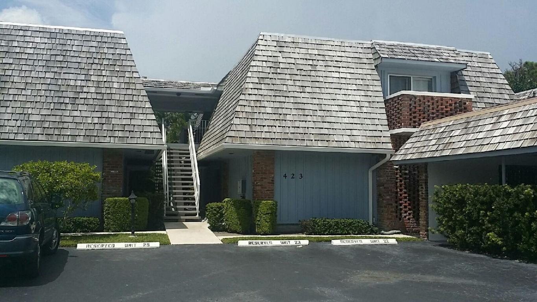 423 Pine Tree Court, Atlantis, FL 33462