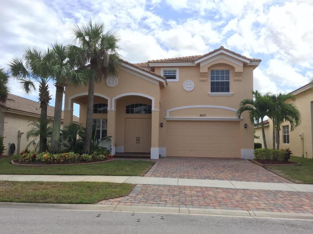 2237 Sw Newport Isles Boulevard, Port Saint Lucie, FL 34953